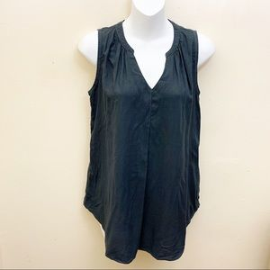 Universal Thread Sleeveless  V Neck Top Sz XS